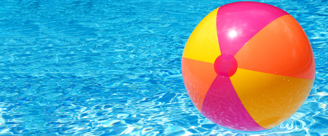 pool with beach ball, cordvoa al